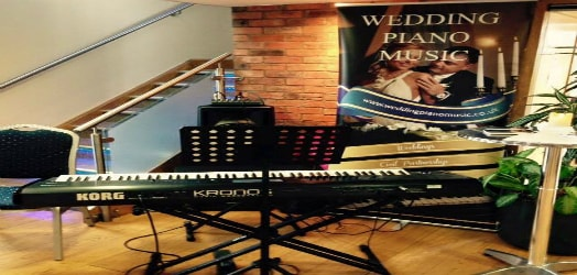 Wedding pianist covering the uk midlands
